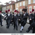 """""""Privilegios especiales en Inglaterra para la comunidad judia, no pagan impuestos, colegios gratis, viven de subvenciones y seguridad propia…"""